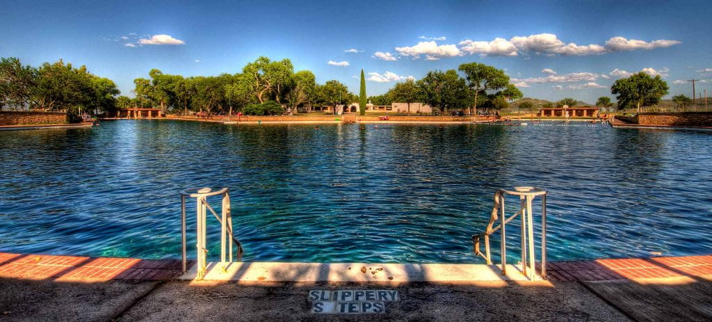 The spring-fed pool at Balmorhea State Park (credit: Texas Parks and Wildlife).