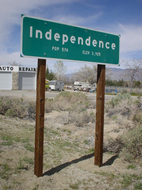 Independence California Welcome Sign.