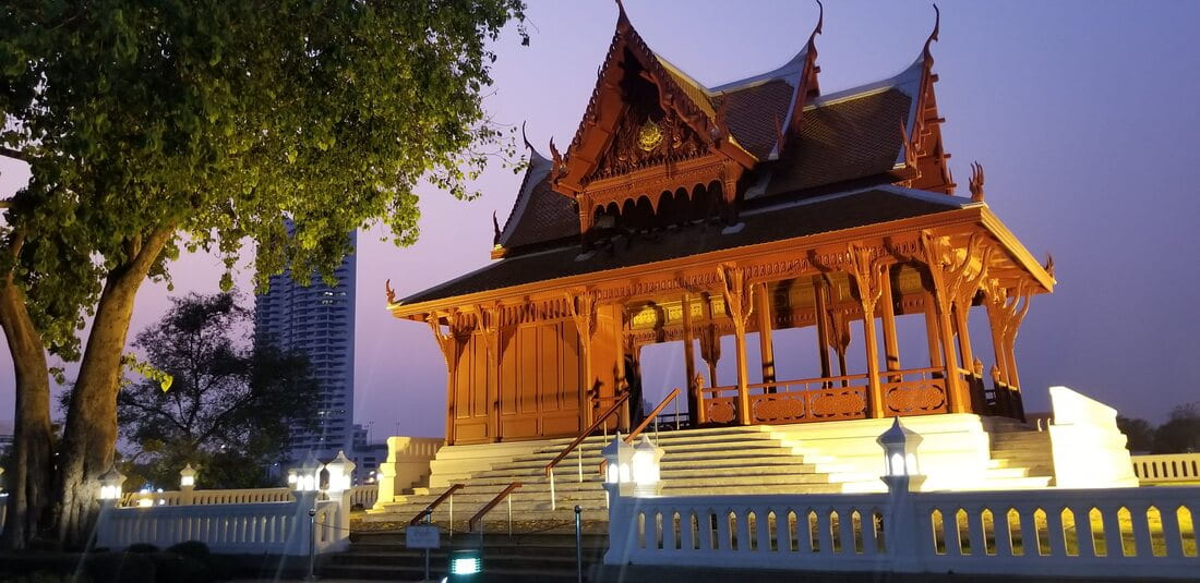 A shot of a Thai building at dusk in Bagkok.