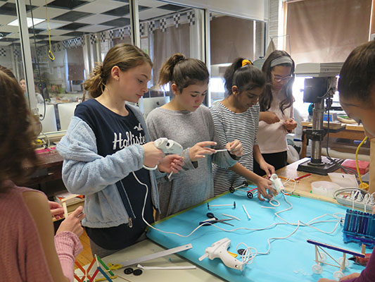 Suffern Middle Schoolers Explore Engineering & Technology