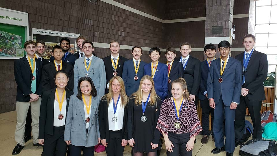 DECA Students Advance to States