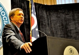 Ohio Gov. John Kasich speaks to a crowd of journalists at the Ohio Newspaper Association conference on Feb. 13.