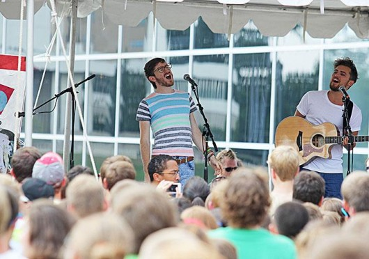 Walk The Moon plays for students at Buck-I-Frenzy Aug. 20 at OSU. Credit: Shelby Lum / Photo editor