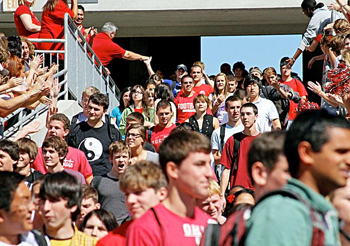 OSU freshmen pour into Ohio Stadium during Autumn Quarter 2010 Freshman Convocation.