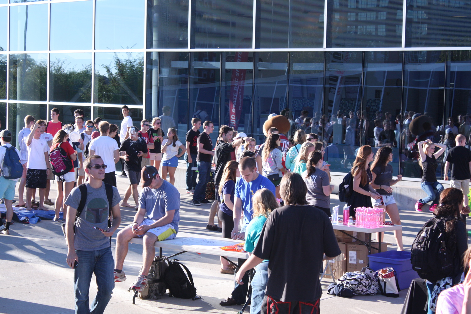 Students gather outside the RPAC Sept. 26 for BuckeyeThon FEST! The event was meant to raise money for BuckeyeThon. Credit: Hannah Chenetski / Lantern photographer