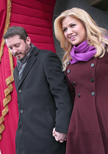 Kelly Clarkson and Brandon Blackstock arrive at the presidential inauguration Jan. 21. The two married in Walland, Tenn., Oct. 20.  Credit: Courtesy of MCT