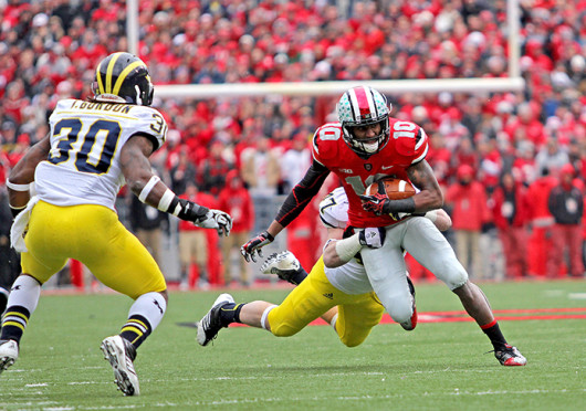 Then-junior wide receiver Corey 'Philly' Brown (10) runs the ball against Michigan Nov, 24, 2012. OSU won 26-21. Credit: Lantern file photo