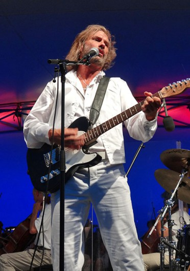 Tony Mattina as Barry Gibb in Bee Gees tribute band Stayin' Alive. The band is set to perform with the CSO 8 p.m. Jan. 18 at Ohio Theatre. Credit: Courtesy of Continental Entertainment