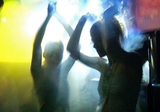 """electronic dance music and the drug molly Use of mdma or """"molly"""" is common in the electronic dance music scene, but research is showing that many molly users are using other drugs unknowingly electronic dance music (edm) parties have historically been high-risk scenes for use of a variety of psychoactive substances studies over the ."""