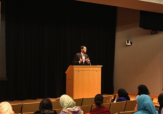 Mohamed Abutaleb, a teacher at the Oak Tree Institute of Islamic education, speaks at a Muslim Students' Association conference Jan. 18 at the Ohio Union.<br />Credit: Shelby Lum / Photo editor