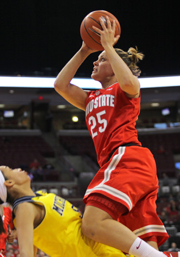 Redshirt-junior guard Amy Scullion (25) looks for a shot during a game against Michigan Jan. 5 at the Schottenstein Center. OSU lost, 64-49. Credit: Shelby Lum / Photo editor