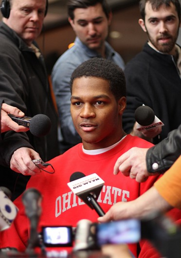 Incoming-freshman linebacker Raekwon McMillan (center) talks to the media on National Signing Day Feb. 5 at the Woody Hayes Athletic Center. Credit: Eric Seger / Sports editor