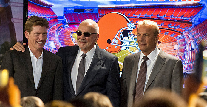Opinion: 'Draft Day' doesn't portray passion, misery of Cleveland Browns