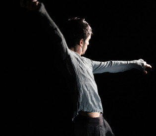Review: Aakash Odedra spectacular in solo dance at the Wex