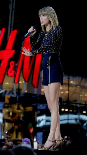 Taylor Swift performs a concert for 'Good Morning America' on Oct. 30 in Times Square, New York. Credit: Courtesy of TNS
