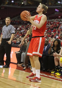 Then-redshirt-junior guard Amy Scullion prepares to shoot during a Jan. 5 game against Michigan at the Schottenstein Center. OSU lost, 64-49.  Credit: Lantern file photo