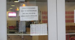 Oxley's by the Numbers was closed Tuesday morning because of a water main break on Neil Avenue. Credit: Amanda Etchison / Campus editor