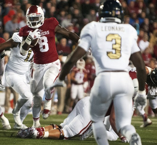 Indiana junior running back Jordan Howard (8) runs with the ball. Credit: Courtesy of Haley Ward / Indiana Daily Student