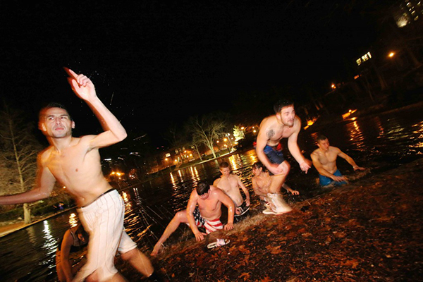 OSU students during the Mirror Lake Jump in 2014. Credit: Lantern File Photo