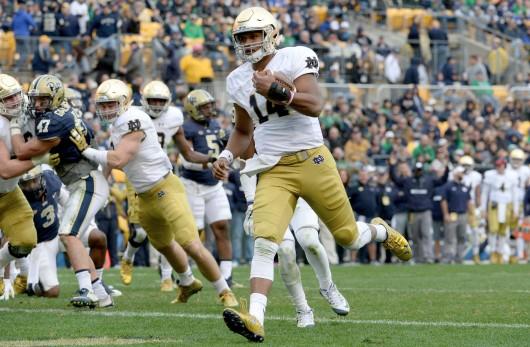 Notre Dame redshirt freshman quarterback DeShone Kizer scores a touchdown on a 2-yard against Pitt at Heinz Field on Nov. 7, 2015. Notre Dame won, 42-30. Credit: Courtesy of TNS