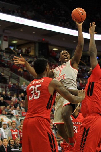 OSU sophomore forward Jae'Sean Tate (1) attempts a shot during a game against Rutgers on Jan. 13 at the Schottenstein Center. Credit: Samantha Hollingshead | Photo Editor