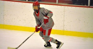 julia_mckinnon_womens_hockey_featured
