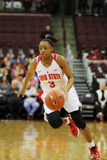 OSU sophomore guard Kelsey Mitchell (3) dribbles the ball during a game against Rutgers on Jan. 10 at the Schottenstein Center. Credit: Samantha Hollingshead | Photo Editor