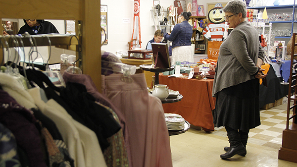 A Buckeye Bargains' customer searching for their next purchase. Credit: Tinae Bluitt | Lantern Reporter