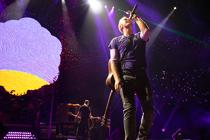 Concert review: Coldplay unites a diverse crowd in Columbus  The Lantern