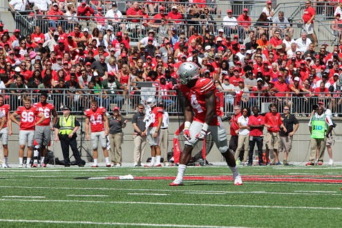Junior H-back Curtis Samuel lines up before a play against Bowling Green on Sept. 3. OSU won 77-10. Credit: Mason Swires | Assistant Photo Editor