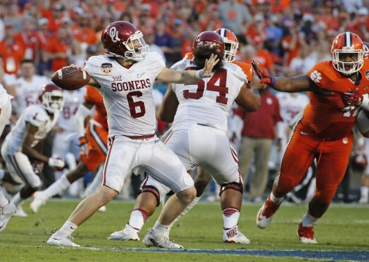Oklahoma quarterback Baker Mayfield (6) sets up to pass in the second quarter against Clemson in the Capital One Orange Bowl at SunLife Stadium in Miami Gardens, Fla., on Thursday, Dec. 31, 2015. Clemson won, 37-17. (Al Diaz/Miami Herald/TNS)