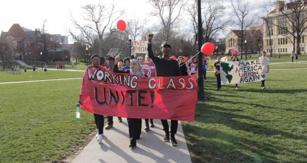 Students protest potential energy privatization