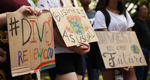 Students commemorate hurricane victims, put attention on climate change