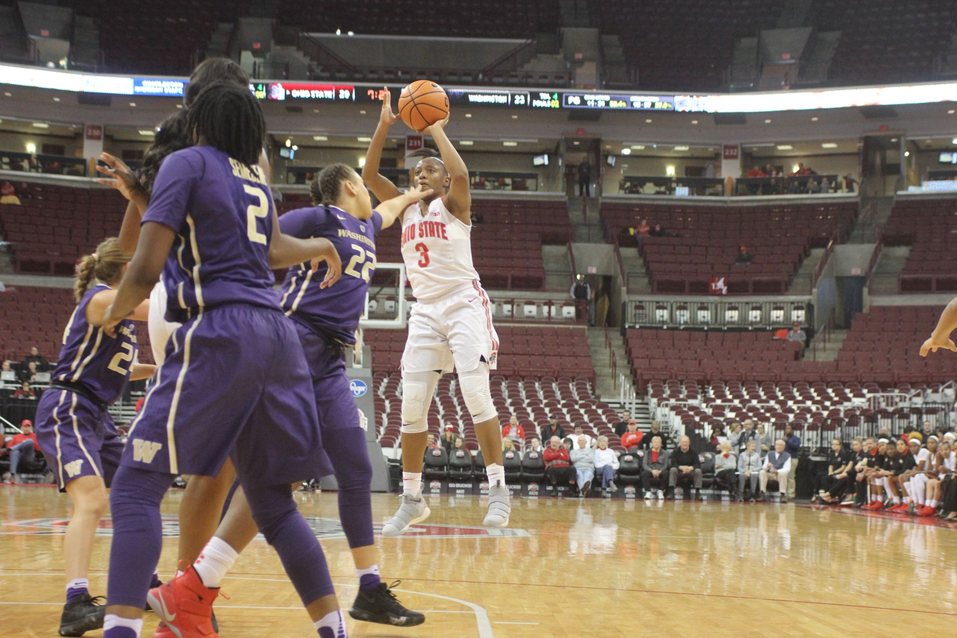 Kelsey Mitchell sets career 3-point record in Ohio State win