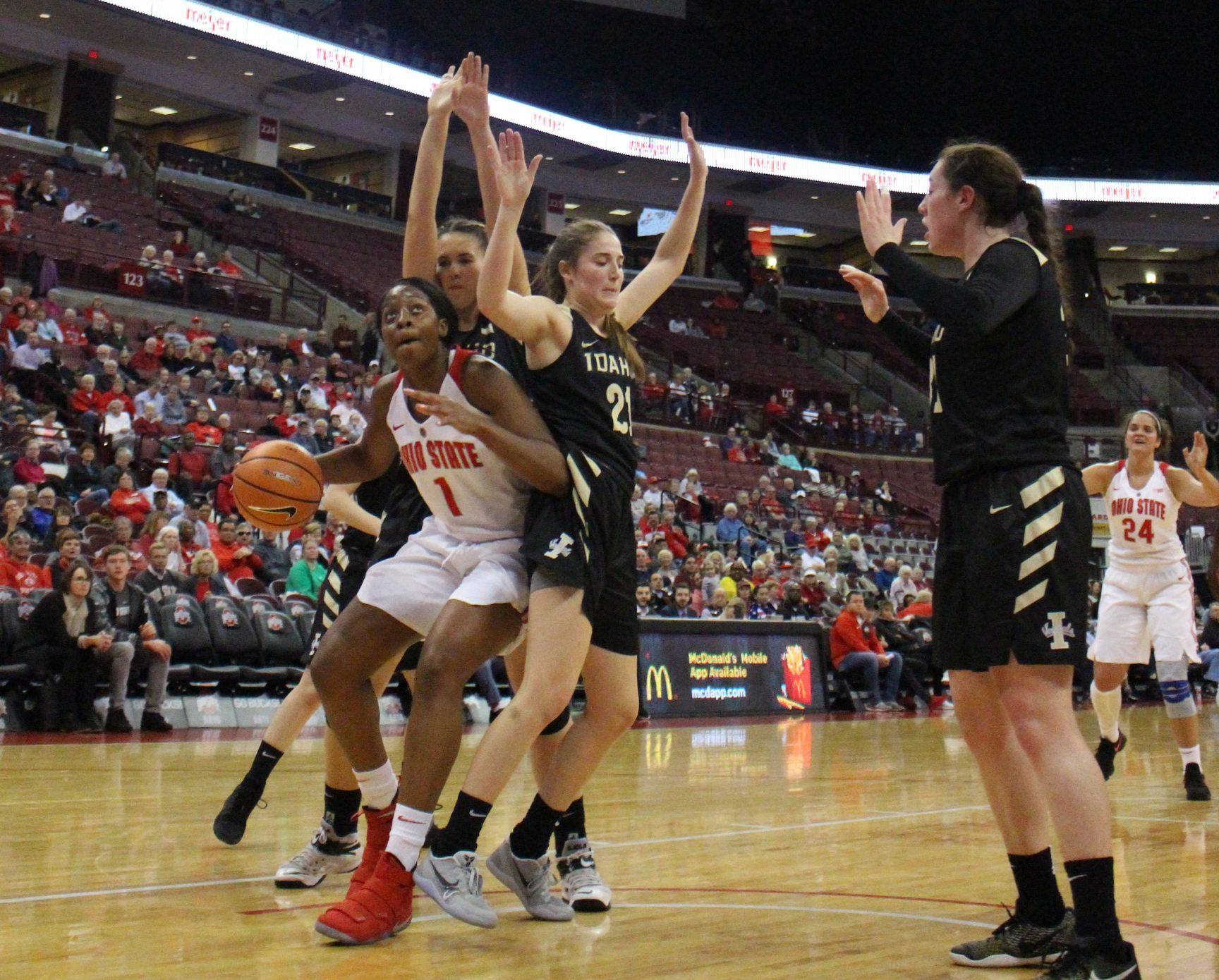 Women's Basketball: No. 9 Ohio State decimates Memphis 100-69