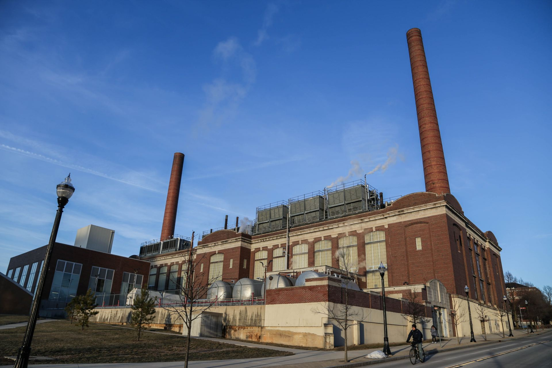 photo of the mccracken power plant on ohio state's campus