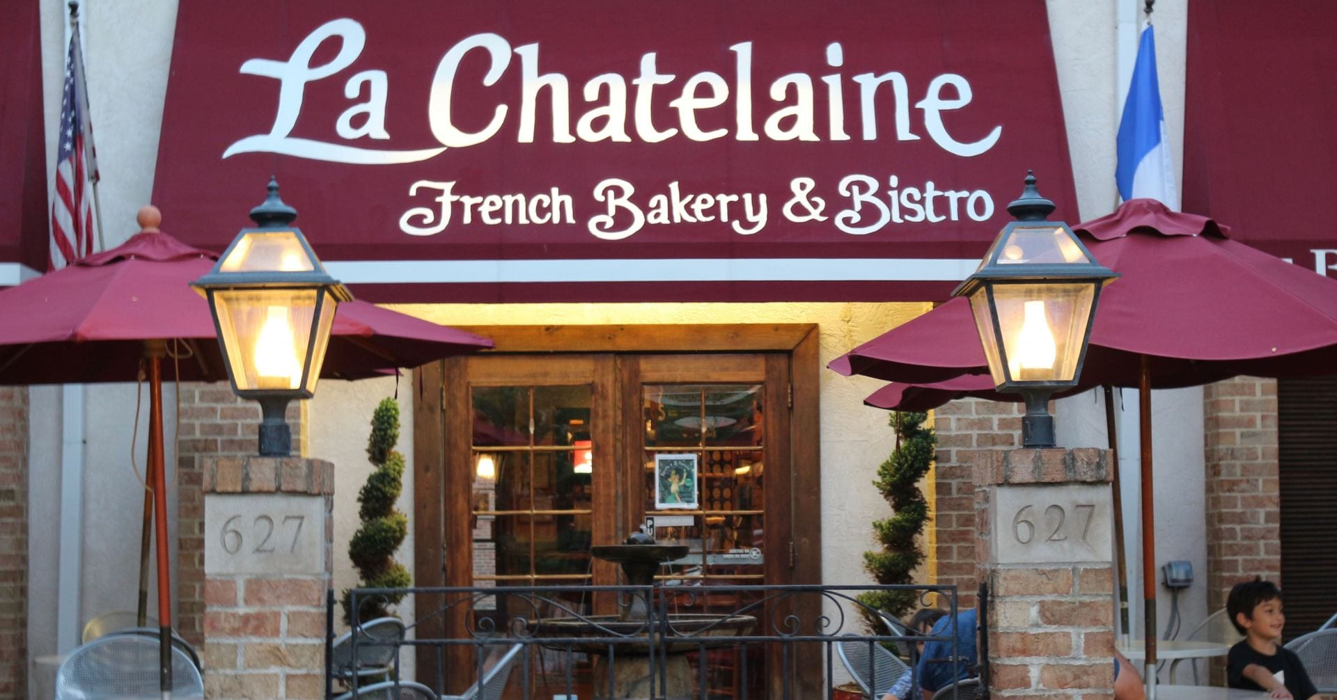 Restaurant Review La Châtelaine An Excellent French Bakery Inside A Basic