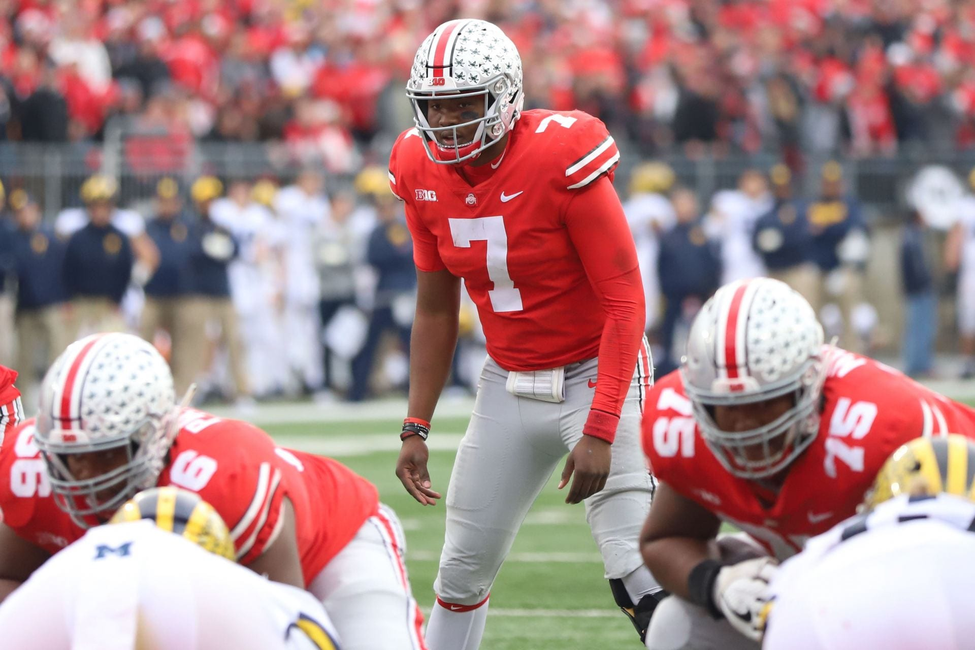 d23940df41 Ohio State redshirt sophomore quarterback Dwayne Haskins (7) gets ready for  the play during the second half of the game against Michigan on Nov. 24.