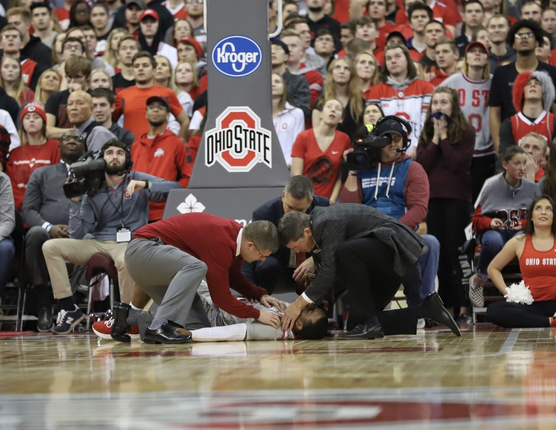 Men's Basketball: Luther Muhammad suffers dislocated