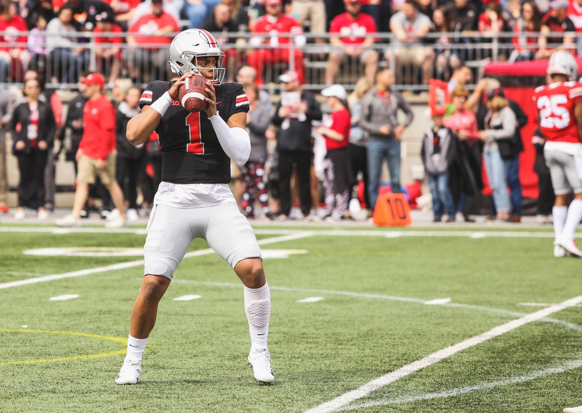 Football Justin Fields Has only Scratched The Surface With Ohio State Spring Game The Lantern