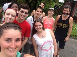 The Winter 2015 Costa Rica study abroad group (Amanda, front).