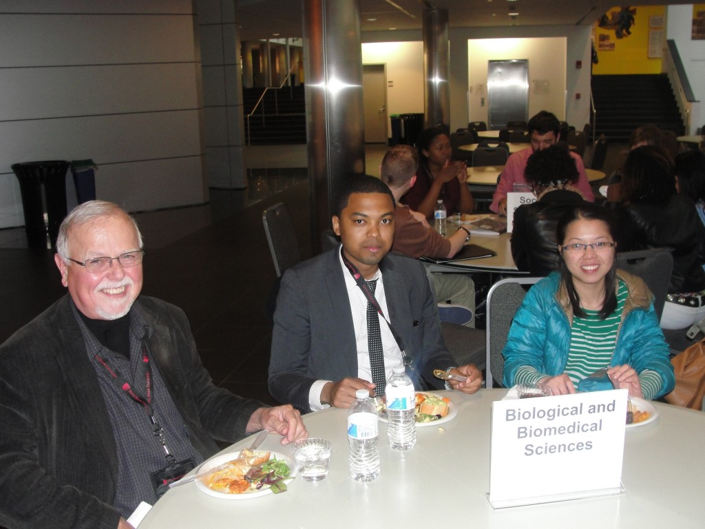 Faculty and students at the networking dinner following the Creating Paths to Grad School in Science event.