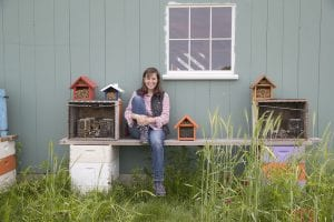 Bee rancher Laura Klahre '97