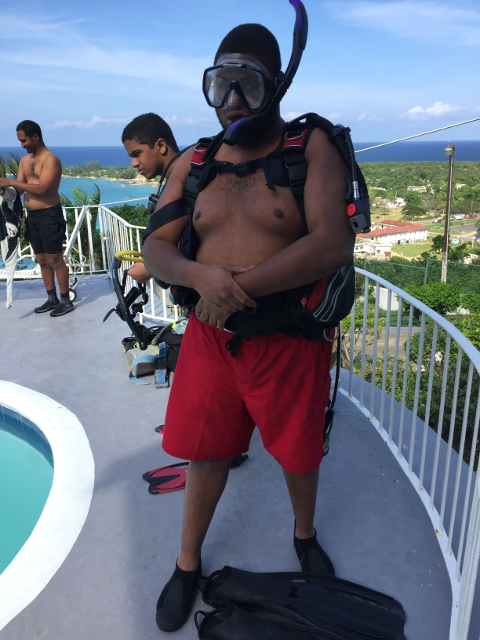 Phenix Nunlee in his full SCUBA kit.